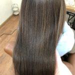 ゆるい癖でポワポワ広がる…そんな方はカラーでまとまる艶髪へ♪熊谷市の髪質改善美容室ハルト
